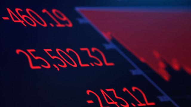 El Dow Jones pierde más de 550 puntos en medio de una escalada en la guerra comercial entre China y EE.UU.