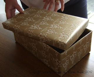 How-to-wrap-shoebox-with-paper