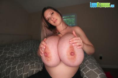 nude model huge tits topless
