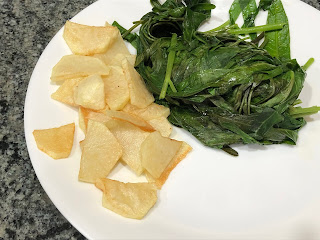 boil the kangkung and fry the potato