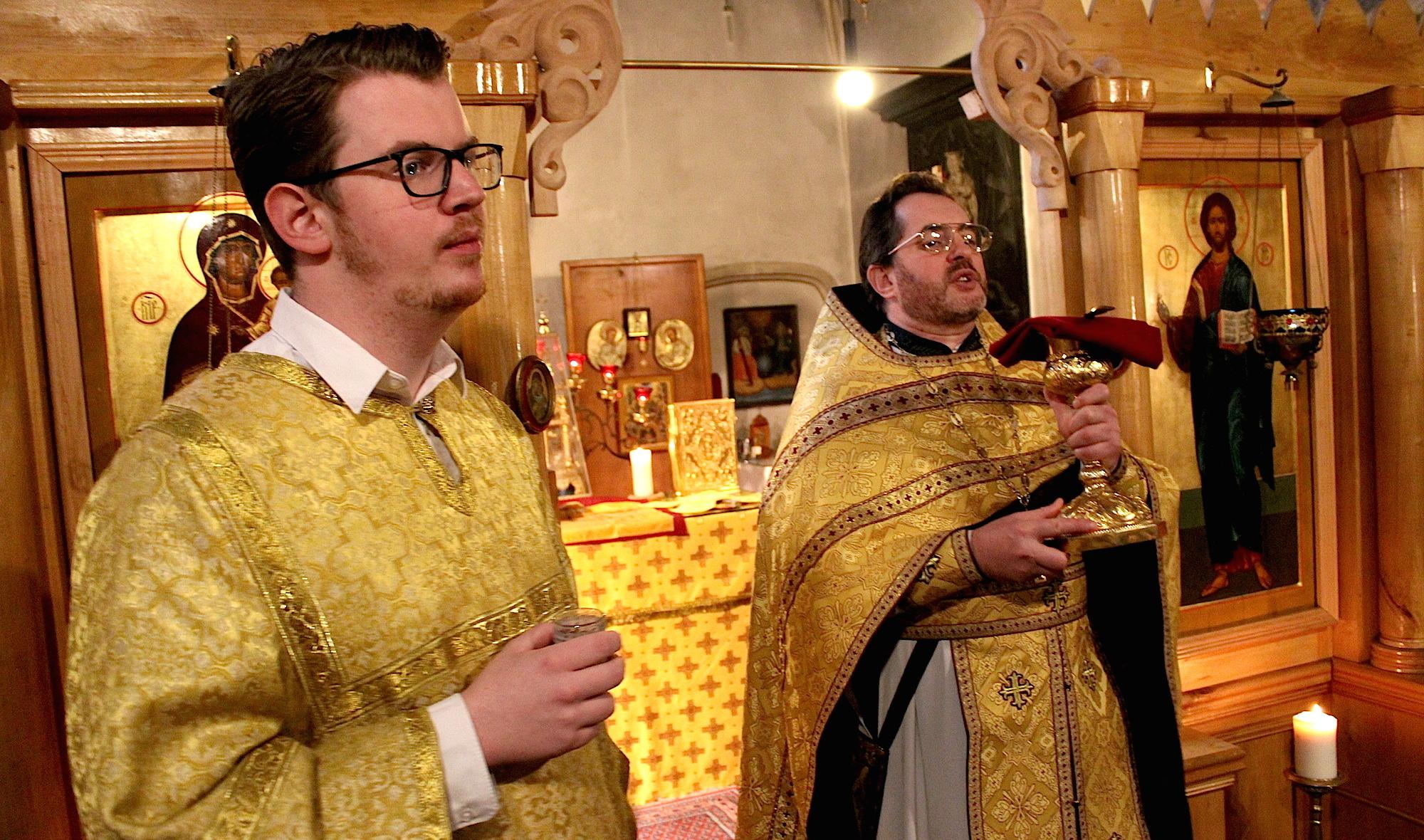 Божественная Литургия. Церковь равноапостольных Константина и Елены. Кёльн.