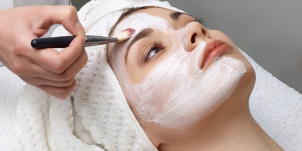 Resiko Efek Samping Facial Wajah, Ladies Harus Tahu Ini!