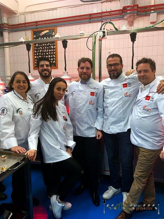 grupo de tapasiona madrid con el chef agustín herrera