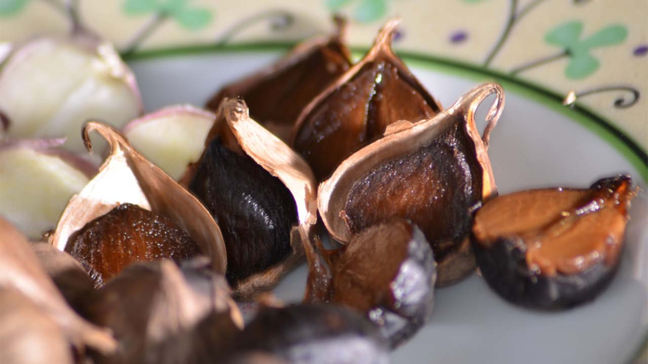 Manfaat Black Garlic