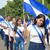 Escuelas de Nicaragua desfilan por las calles para conmemorar las fiestas patrias
