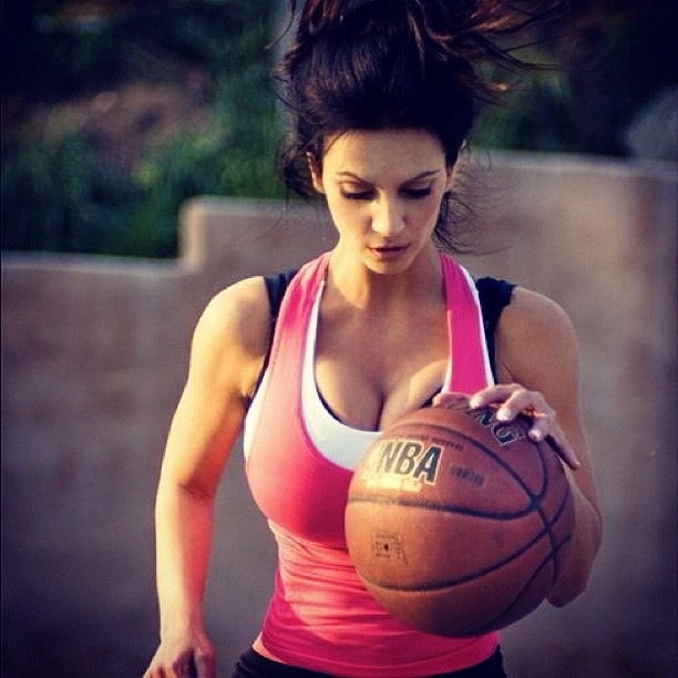 denise-milani-sports-image