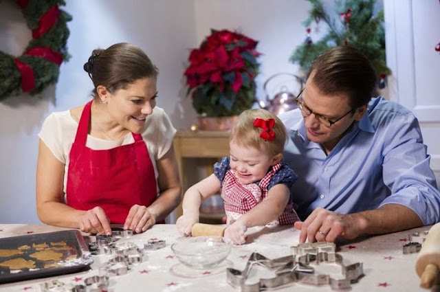 The Swedish Royal Court has published new photos of Crown Princess Victoria,Prince Daniel and Princess Estelle on the occasion of Christmas.