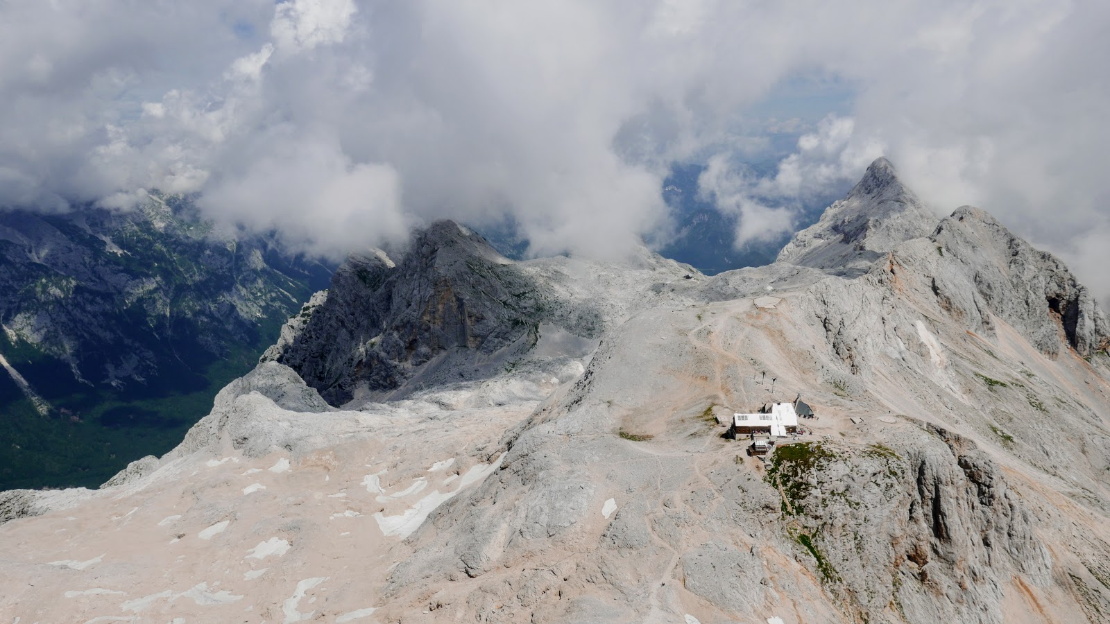 triglav szczyt, triglav zdjęcia, triglav jak wejść, triglav w jeden dzień, triglav ferrata, triglav w lipcu, triglav z mojstrany, najwyższy szczyt słowenii, alpy julisjkie