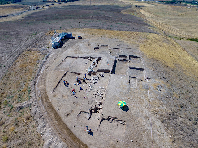 Archaeological excavations in Van unveil child skeleton with two dragon head bracelets