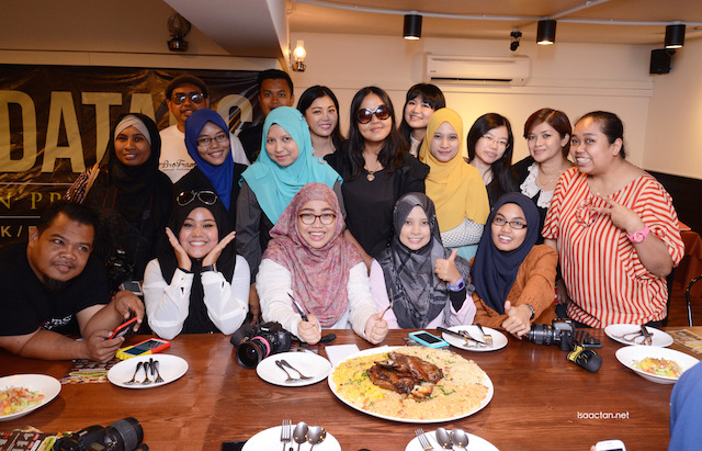 Bloggers and friends at the Me'nate Steak Hub Ramadan food preview