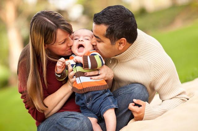 Bila Sepasang Suami Istri Belum Dikaruniai Anak, Inilah Solusinya