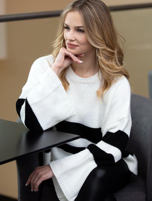 https://www.anemoye.com/sweaters/sweater-dedra-black-white
