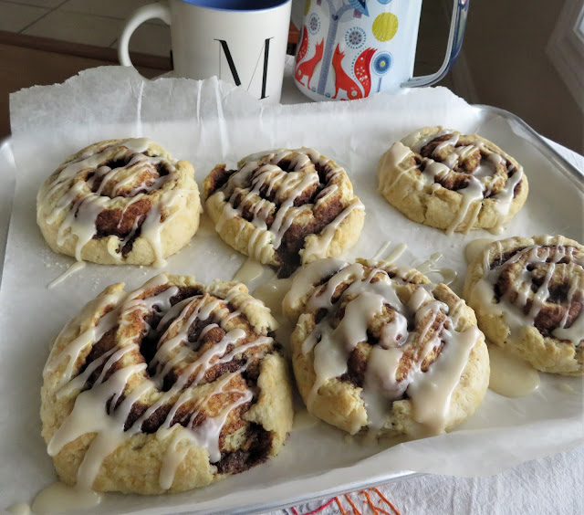 Mom's Cinnamon Rolls (small batch)