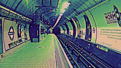 Tottenham Court Road, platform, tunnel