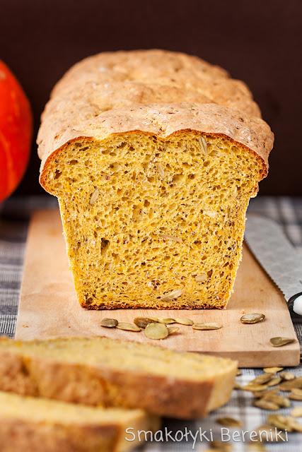 Chleb drożdżowy z dynią