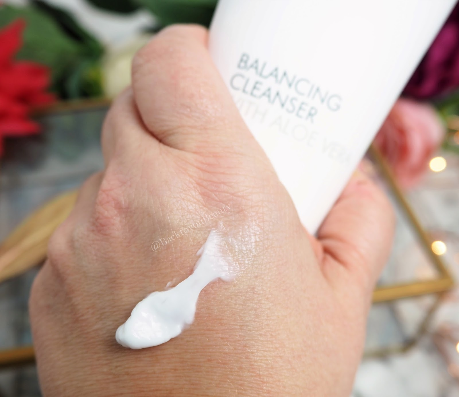 Balancing Cleanser with Aloe Vera 200ml swatch
