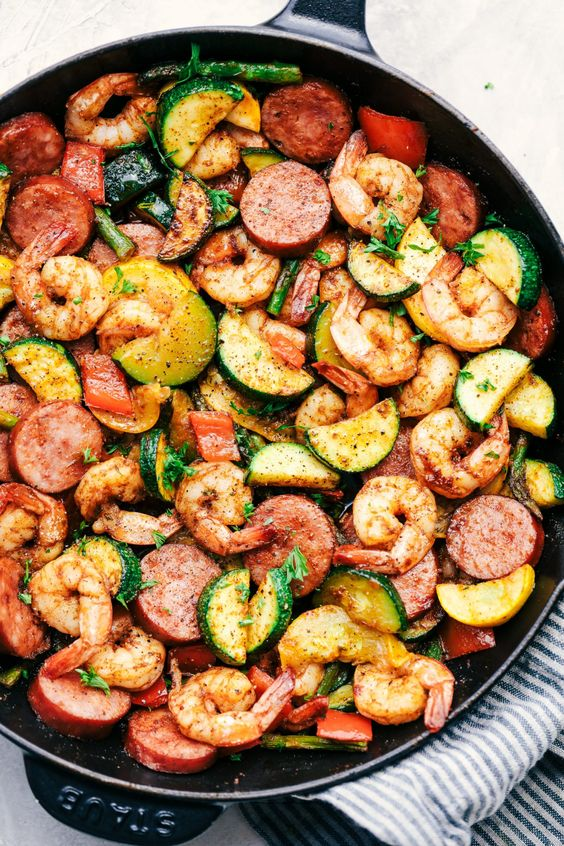 CAJUN SHRIMP AND SAUSAGE VEGETABLE SKILLET #recipes #healthymeals #food #foodporn #healthy #yummy #instafood #foodie #delicious #dinner #breakfast #dessert #lunch #vegan #cake #eatclean #homemade #diet #healthyfood #cleaneating #foodstagram
