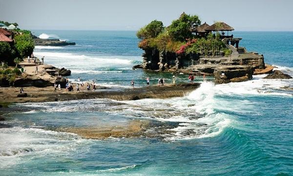 tempat wisata terkenal di indonesia