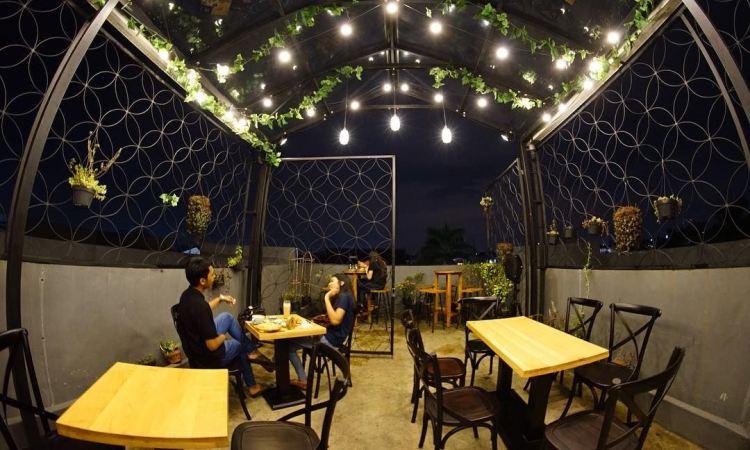 15 Tempat Nongkrong di Bekasi Paling Recommended