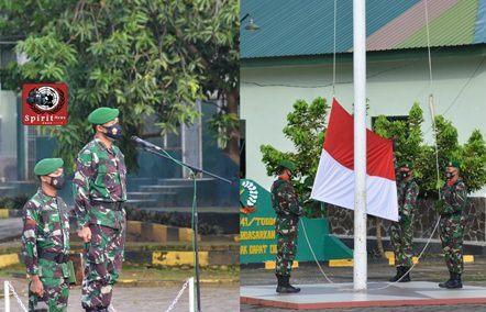 Personel Korem 141/Toddopuli Balakrem Beserta Pns Korem Laksanakan Upacara Bendera Dengan Tetap Mengikuti Protokol Kesehatan
