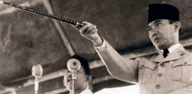 Rizieq Versus Soekarno: Siapa Lebih Hebat?