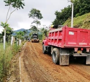 Recuperan vías rurales en Dosquebradas