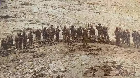 Chinese PLA army carrying Spears and Clubs in Galwan Valley Clash