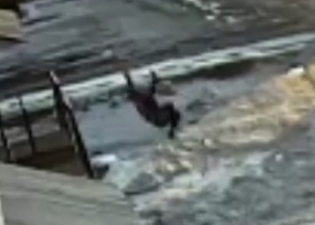 В Стерлитамаке в Лазурном снова из окна выпал мужчина: Видео