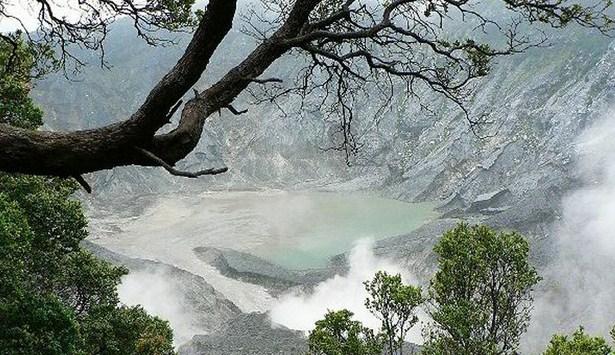 Wisata Gunung Tangkuban Perahu Sejarahnya Sangkuriang