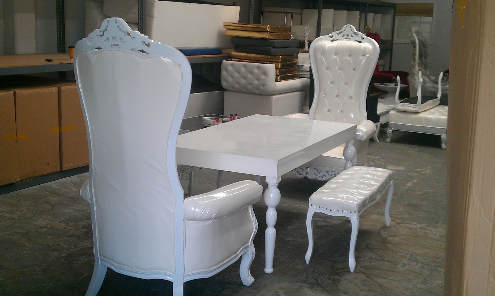 The Mod Spot: New Rental Kings Chairs - Thrones