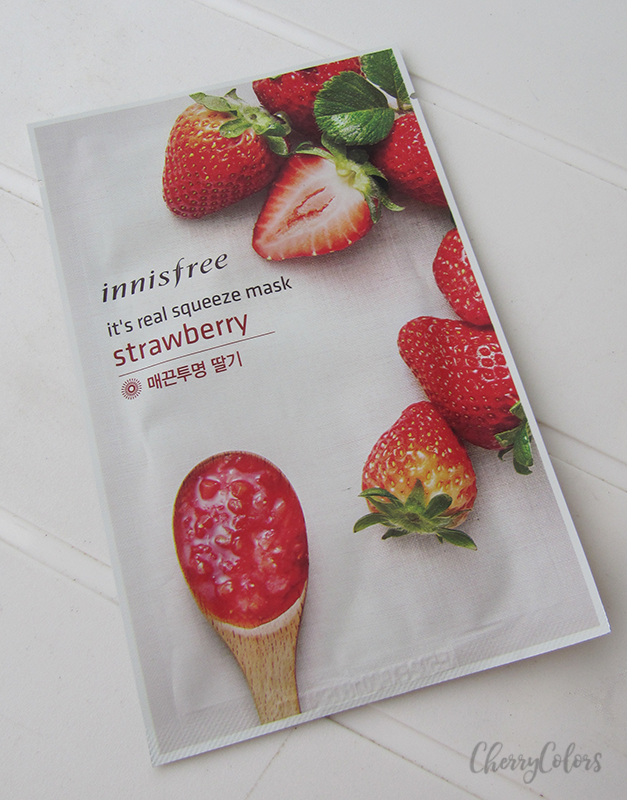 Innisfree IT'S REAL SQUEEZE MASK Strawberry Review