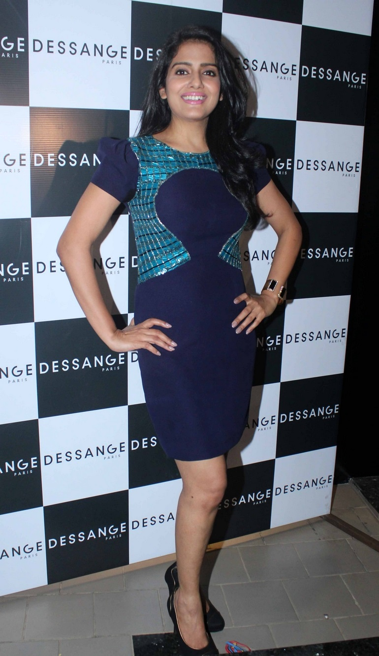 Tollywood Actress Vishakha Singh Hot Long Hair Style Photos In Blue Gown