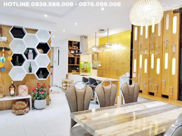 Phòng khách căn hộ Riviera Point 106m2 tháp 4, bán lỗ giá tốt.
