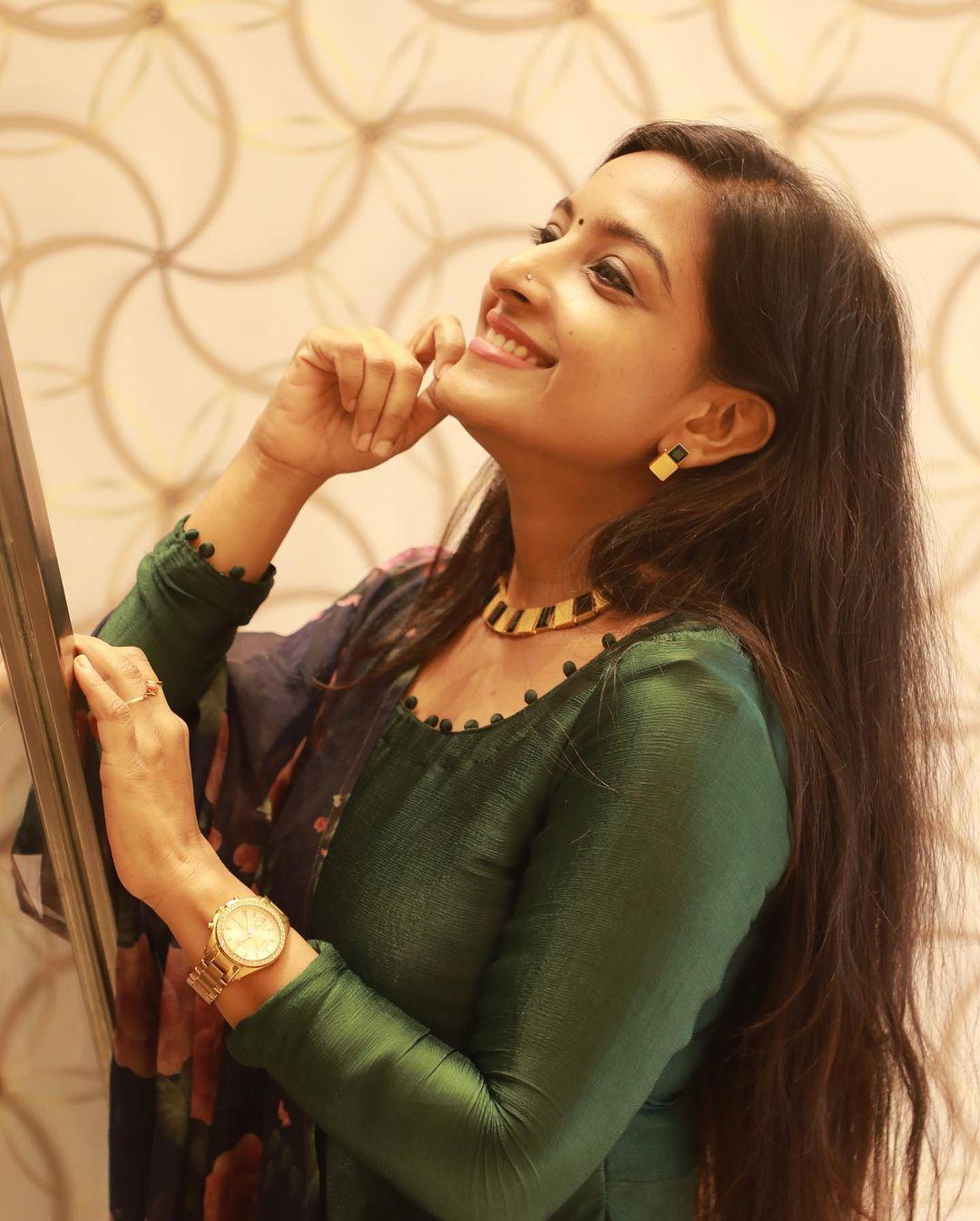 Alphy Panjikaran Latest Photos Actress Trend