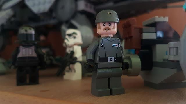 Фигурка лего офицер Империи, Звездные войны