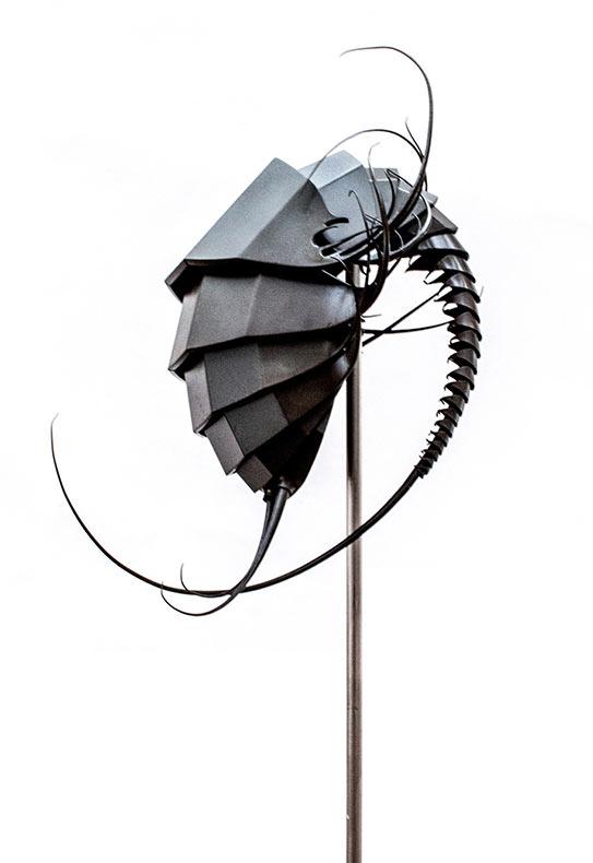 Organismos metálicos guerreros de otro planeta por Mylinh Nguyen