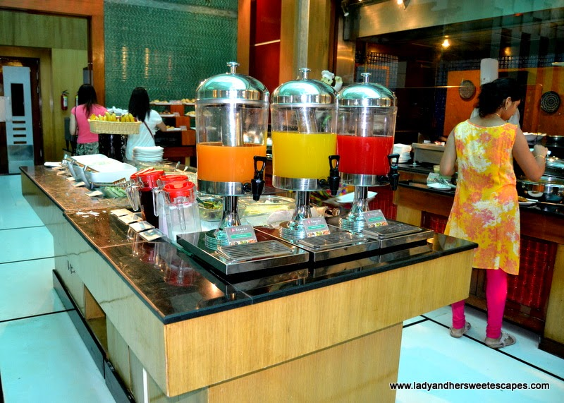 breakfast buffet in Ramada Jaipur