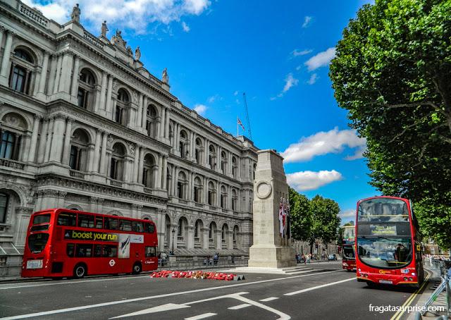 Os clássicos ônibus vermelhos de Londres