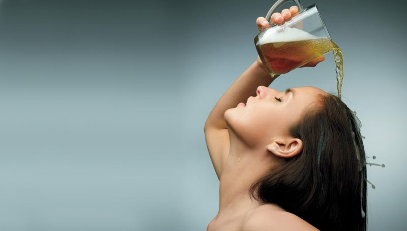 Why You Should Rinse Your Hair With This DIY Apple Cider Vinegar