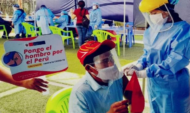 Con éxito se desarrolla tercera Vacunatón contra la covid-19 en Arequipa