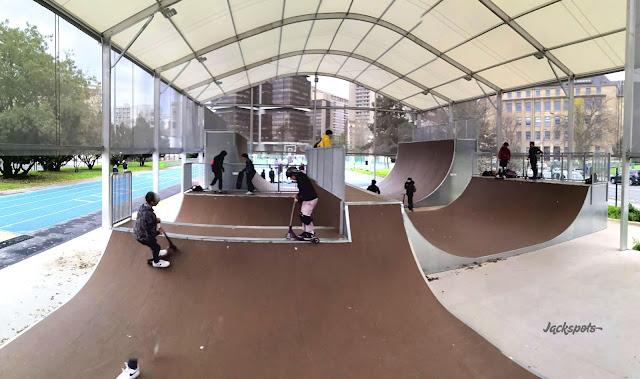 Micro rampe skate park charles moureu paris