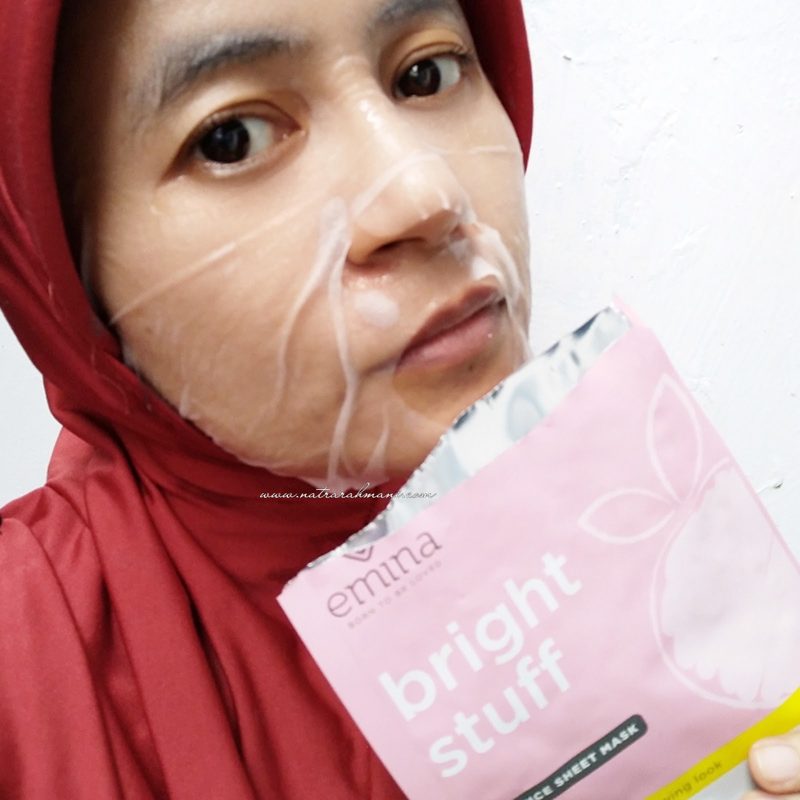 emina-bright-stuff-essence-sheet-mask-review-natrarahmani