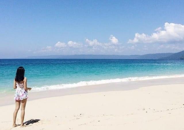 Teluk di Pulau Jawa dengan Pemandangan Keren
