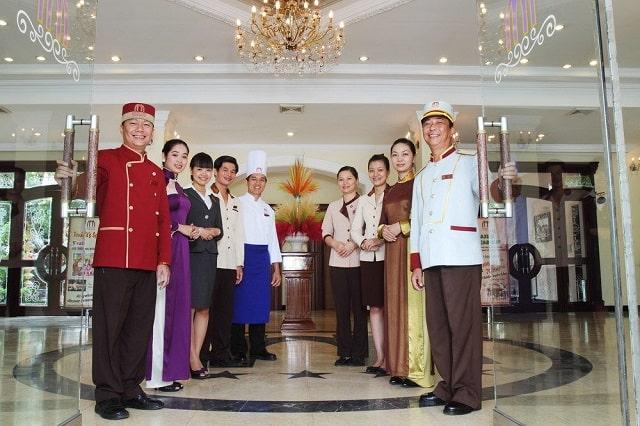 Đồng phục khách sạn có nhiều ý nghĩa và vai trò quan trọng
