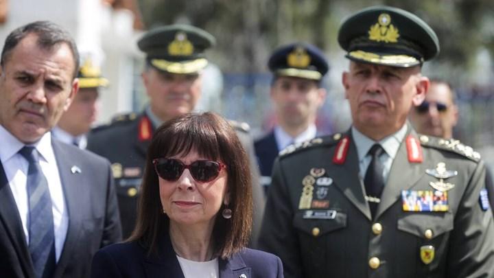"""Σακελλαροπούλου: Το """"ευχαριστώ"""" στις Ένοπλες Δυνάμεις και το σημείωμα στις Καστανιές"""