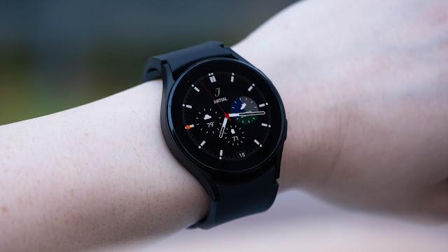 تحصل ساعة جالكسي ووتش 4 على تطبيق Walkie Talkie الرسمي من سامسونج