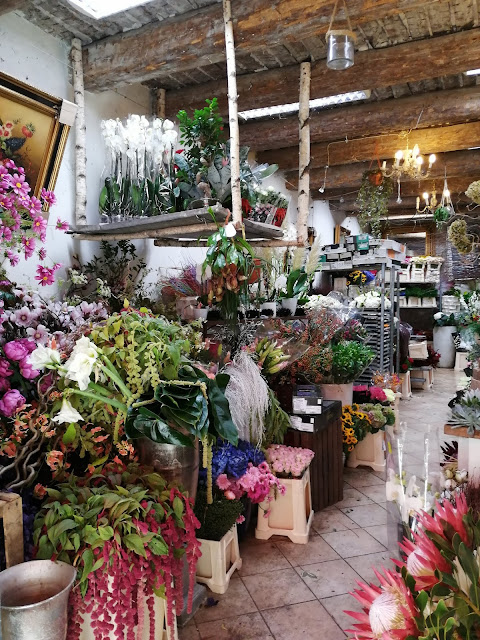 kukkakauppa_flower shop