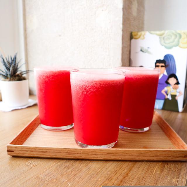 Les trois boissons à la pastèques, commandées par les filles.