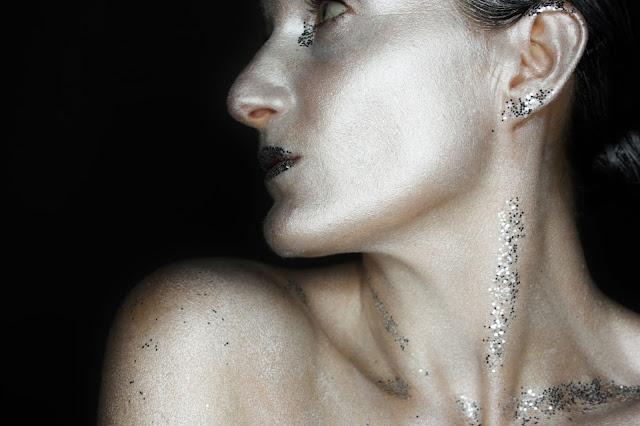 maquillage-argente-paillettes
