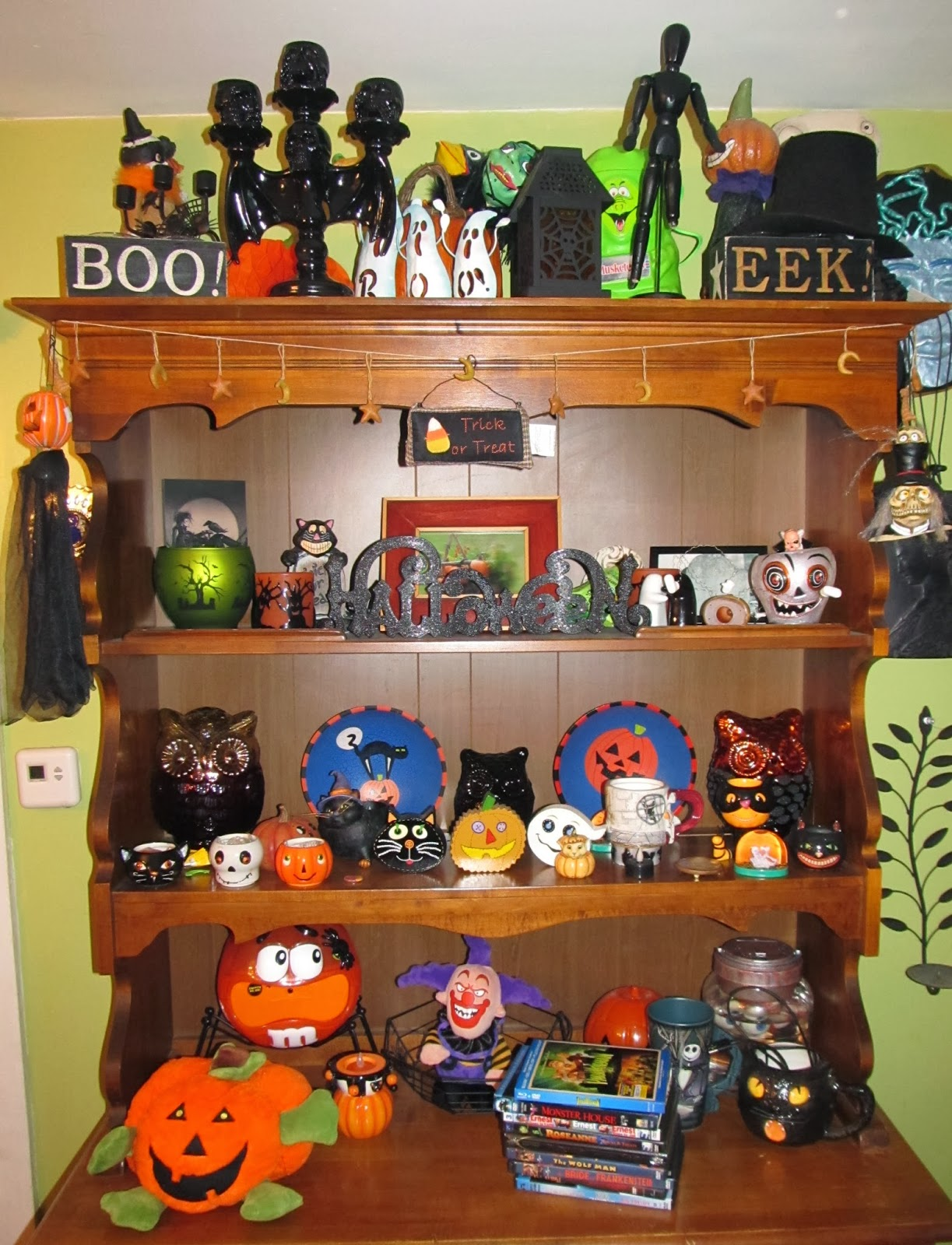 Here We Have The Halloween Hutch, Which Is Decked Out In Even More Halloween  Decor. Just Realizing Now That The Top Shelf Of The Hutch Is All Jacked Up  And